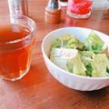 0318_烏龍茶とサラダ