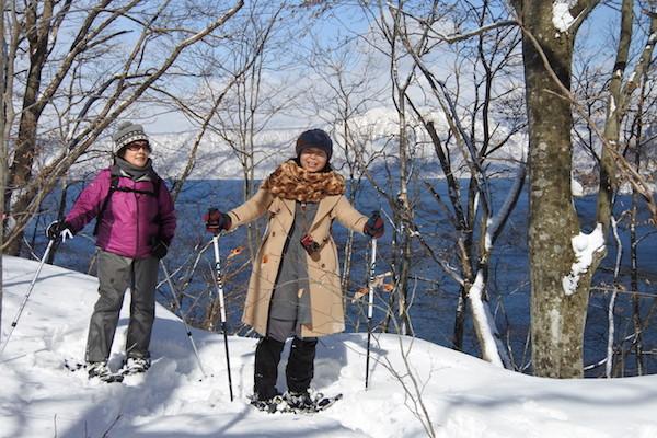 半島の根元を横断して、十和田湖の中湖を見渡せる場所まで来た