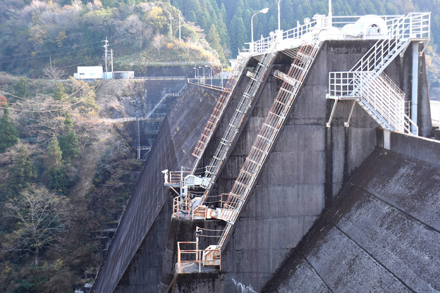 穴内川ダム