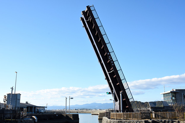 手結港の跳ね橋