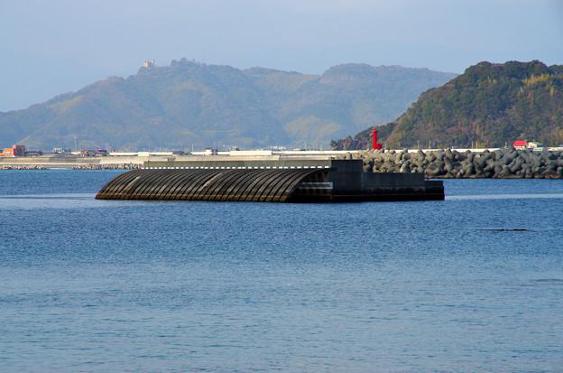 手結港の沖のケーソン