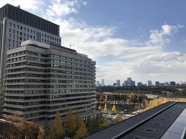 新丸ビル1