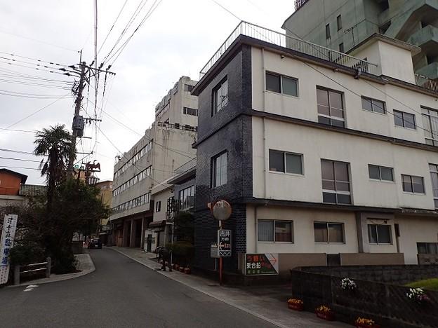 写真: 28 12 福岡 原鶴温泉 町並み 1