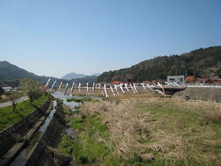 井原市駅近くの川