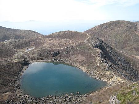 天狗ヶ城登山途中に望む御池