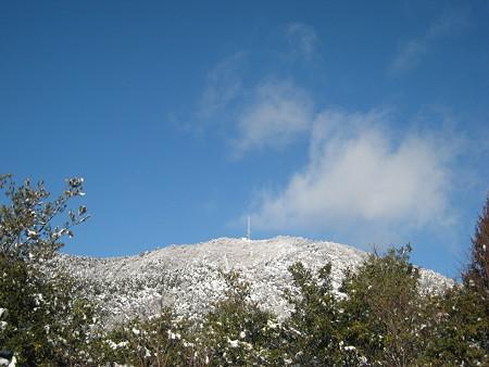 五合目から望む白木山山頂