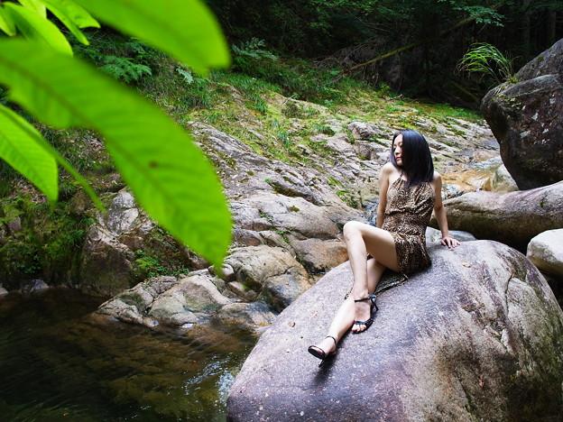 渓流での休息