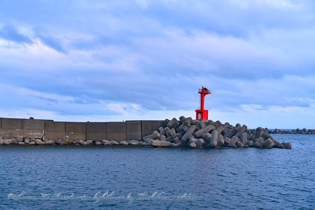 乙浜港防波堤灯台