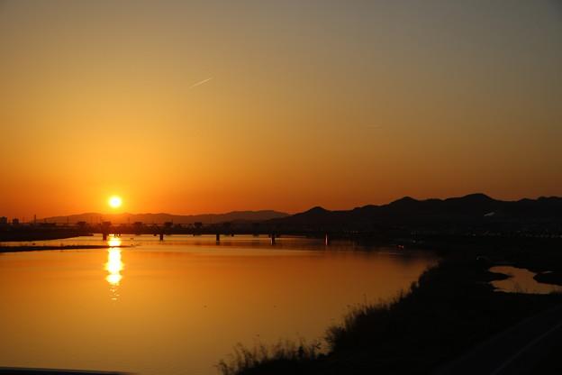 紀の川の夕陽