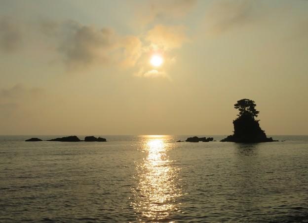 雨晴海岸の朝景