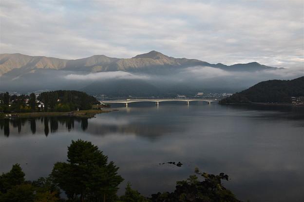 河口湖の朝