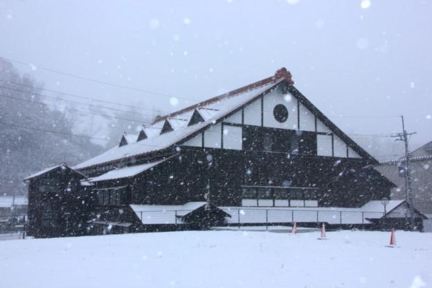 写真: 雪の共楽館 日立市