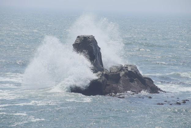 207 小貝浜の波切不動 二ツ島