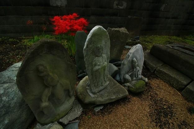Photos: 334 東町の石仏群