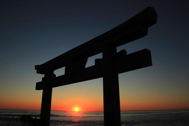 Photos: 570 会瀬海岸の初日の出