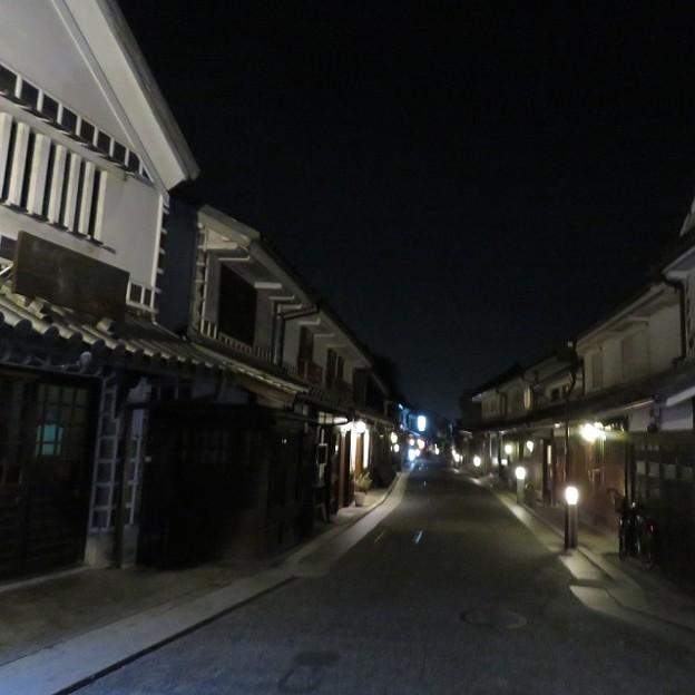 夜の倉敷本町通り