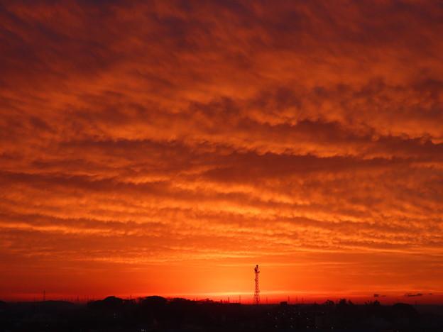 Photos: 厚い雲に被われた後ろの朝陽♪