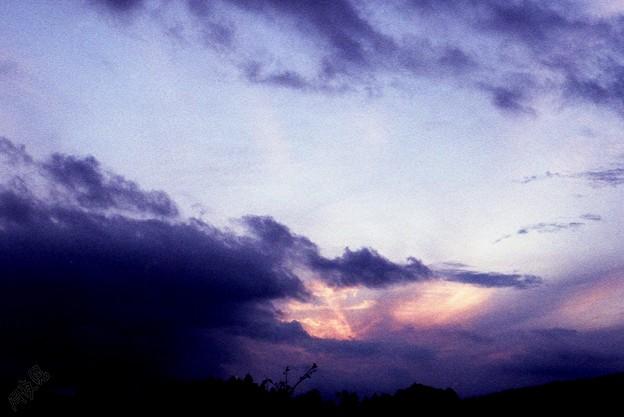 夕暮 迫る雲