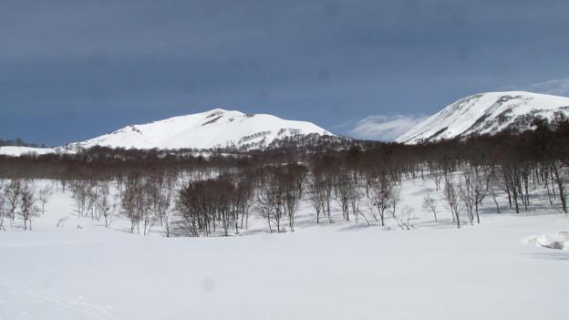 湯殿山と姥ヶ岳