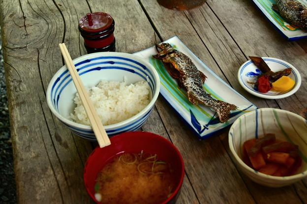 写真: 絶品 イワナ定食