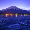 河口湖與富士山夜景