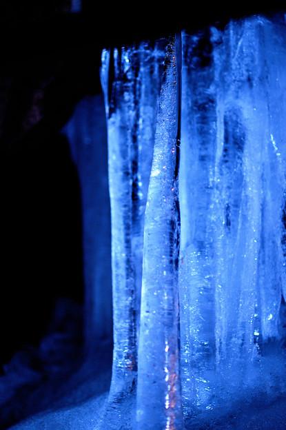 真夏の氷柱