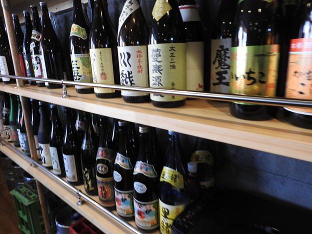 梅鈴/たくさんの日本酒や焼酎があります